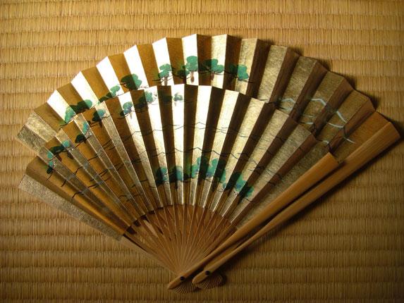 http://isw3.naist.jp/IS/Kawabata-lab/m-ishibashi/img/product/tool/goods/ougi.jpg