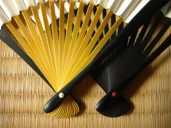 http://isw3.naist.jp/IS/Kawabata-lab/m-ishibashi/img/product/tool/goods/ougi05.jpg